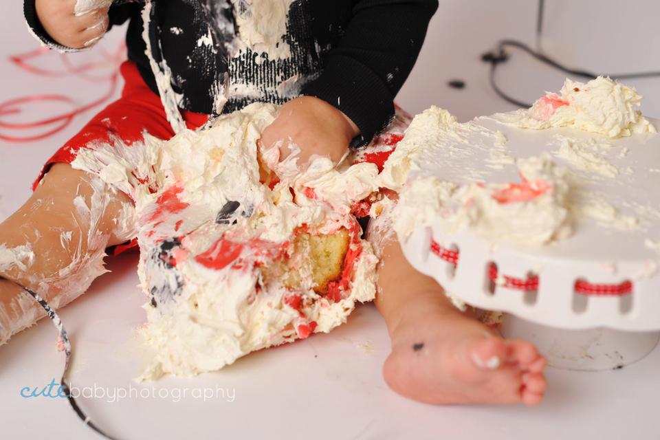 baby Austin, baby photography Manchester, cake smash photography