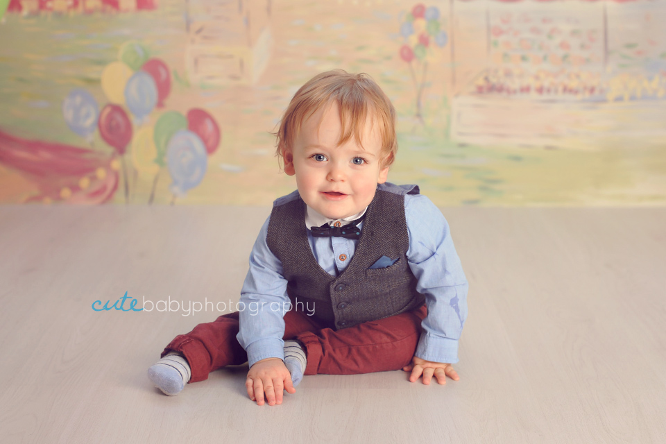 baby Henry, baby photography Manchester, cake smash photography