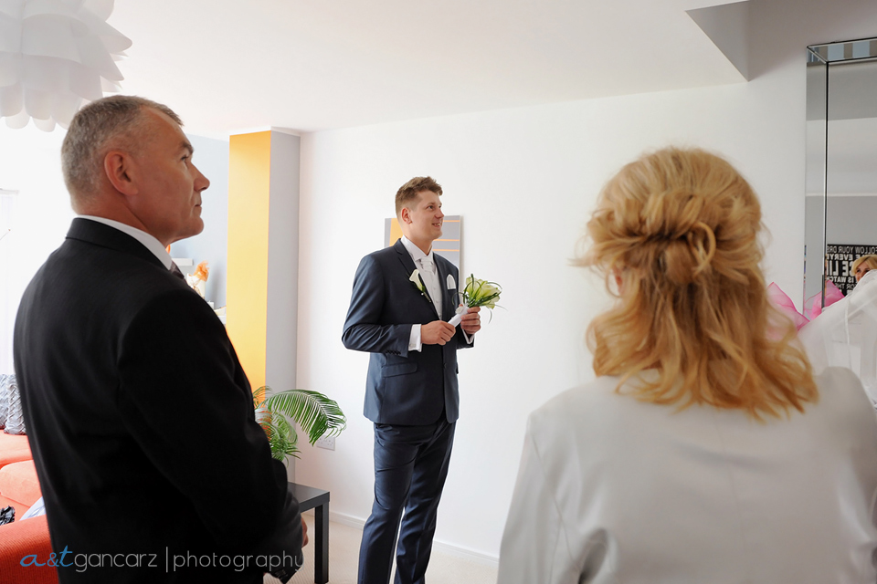 Manchester Wedding Photographer, First look, Tom Gancarz