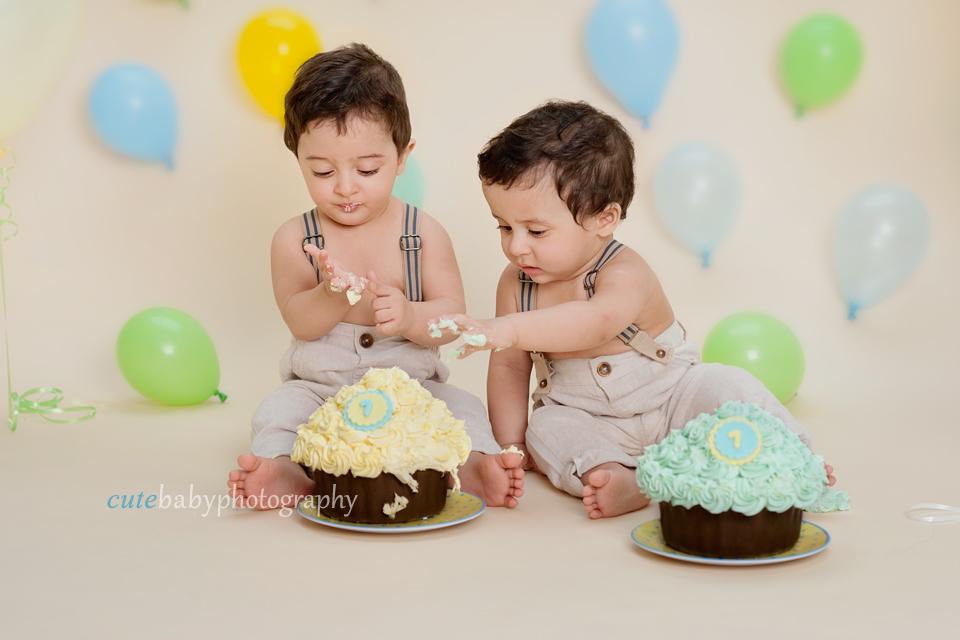 baby photography Manchester, cake smash photography Hyde,cake smash photography