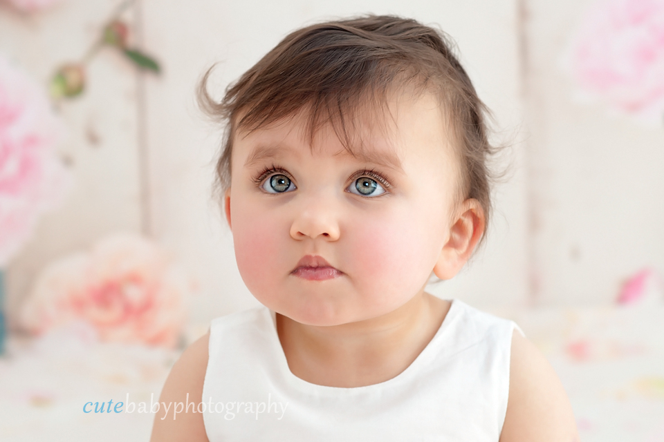 baby Sophie, baby photography Manchester, cake smash photography Hyde,cake smash photography