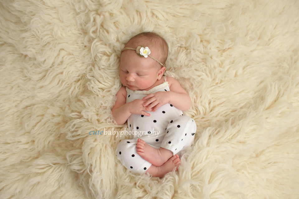 Newborn Photography Manchester | Hyde | Cutebaby Photography | 18 days new Baby Hania