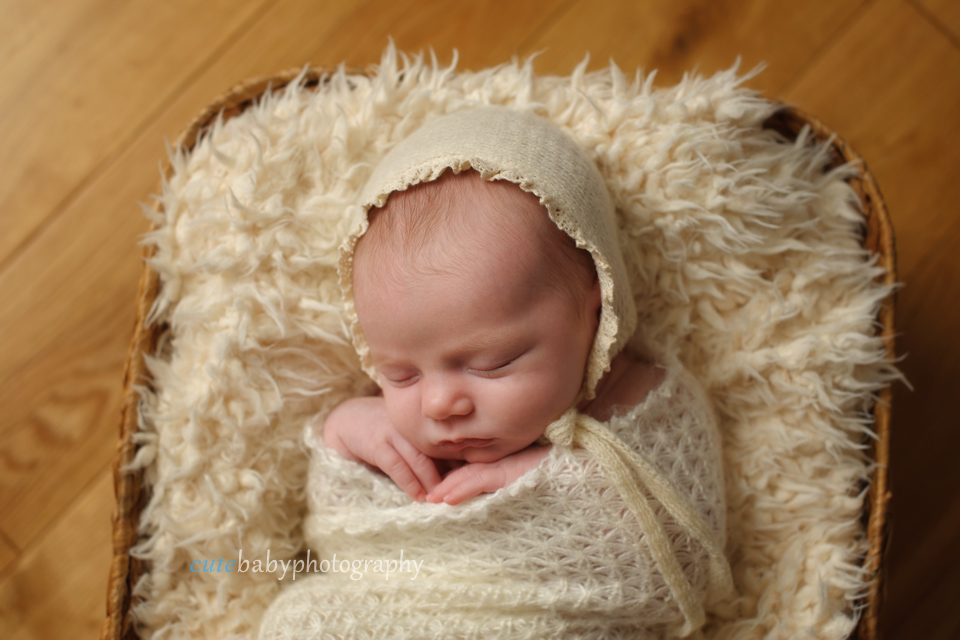 cutebaby photography Manchester, Hyde, Newborn Photography Manchester | Cutebaby Photography | Baby Isabelle {18 days}