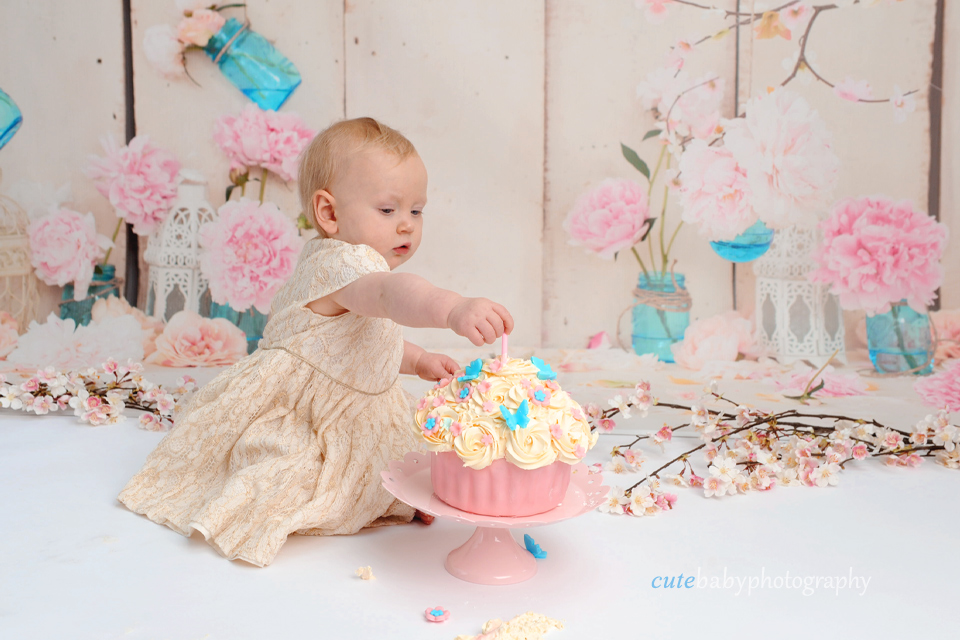 Cake Smash Photography Manchester Hyde | Happy 1st Birthday Isla