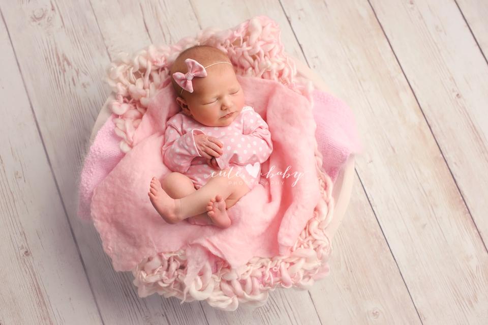 Newborn Photography Manchester   Baby Isla Rose